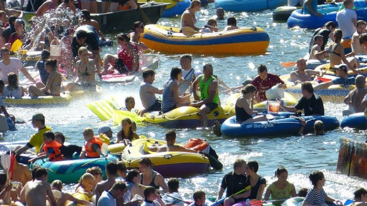 the big float, portland, oregon, willamette river, reynolds defense firm